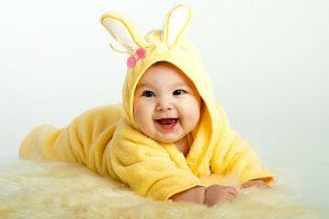 11 Contoh Rangkaian Nama Bayi Laki-laki Kristen Terbaik dan Artinya