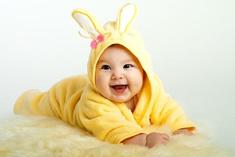 11 Rangkaian Nama Bayi Laki-laki Kristen Terbaik dan Artinya