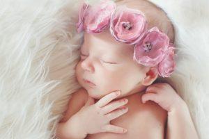 25 Contoh Nama Bayi Perempuan Modern Terbaik Beserta Artinya