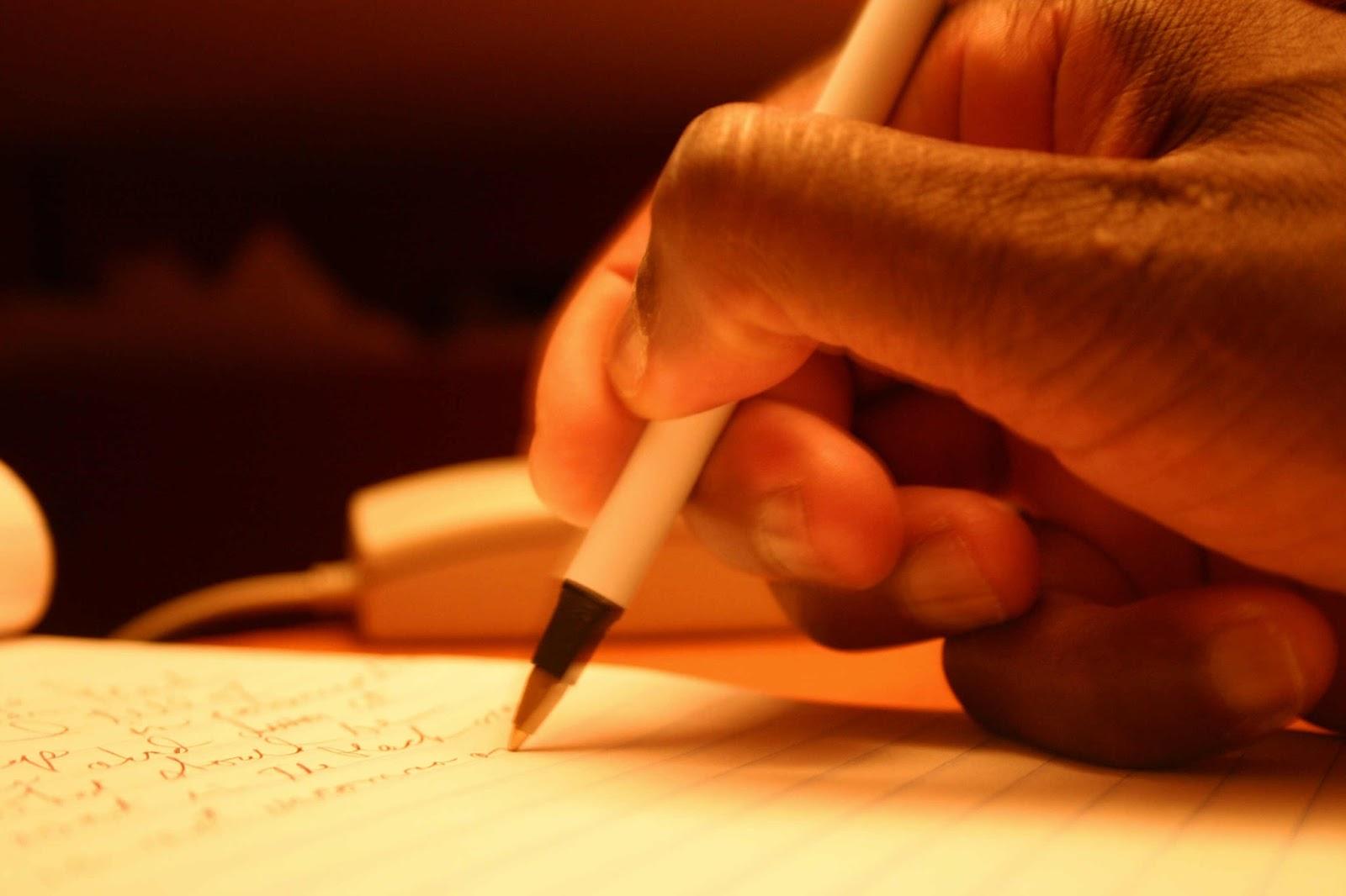 Mengenal Ciri Ciri Puisi Beserta Struktur dan Unsurnya [Puisi Lama dan Baru]