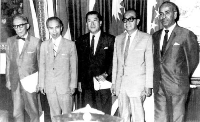 Tulisan yang satu ini akan mengulas mengenai tokoh dan negara pendiri ASEAN, mungkin sebagian dari Anda sudah ada yang mengetahui sekilas mengenai hal tersebut. Namun, kali ini akan mengulas secara lebih dalam lagi seputar profil tokoh dan negara pendiri ASEAN, silahkan disimak infonya baik-baik.
