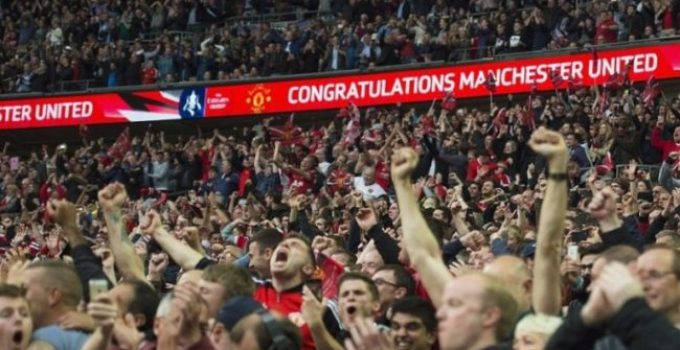 √ Sejarah The Red Army, Sebutan Fans Garis Keras Manchester United